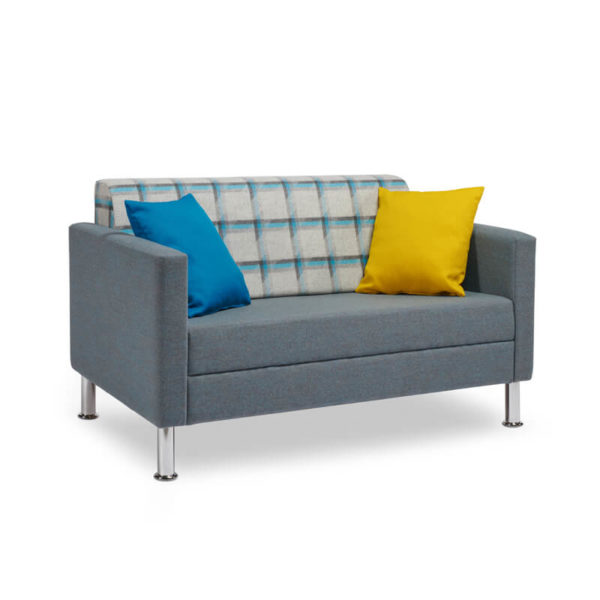 RI04 With Two Different Colored Cushions